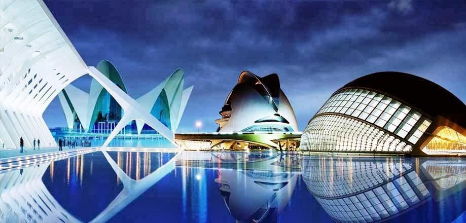 Cidade das Artes e das Ciências em Valência iluminada de noite
