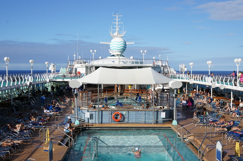 Piscina do Monarch Pullmantur